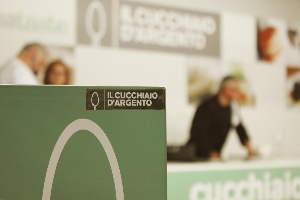 Loves Cucchiaio... (1/6)
